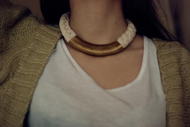 gold, white, necklace, marine, braid, warkocz, naszynik, złoty