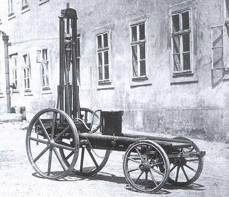 Marcus montou um carro muito rudimentar em 1870
