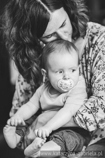 Kraina Mlekiem i Miłością Płynąca, karmiące mamy, karmienie piersią, zdjęcia rodzinne, katarzyna gabriela fotografia, artystyczna fotografia,  Kraków studio qulinarne