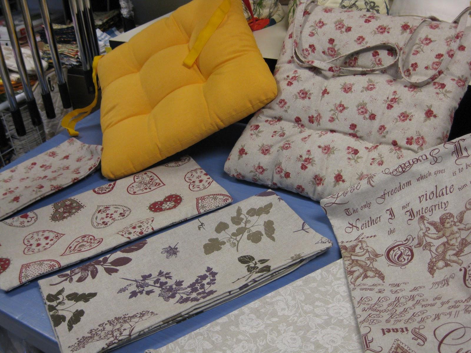 morbidosi cuscini per la cucina creati con il tessuto misto lino e col panama