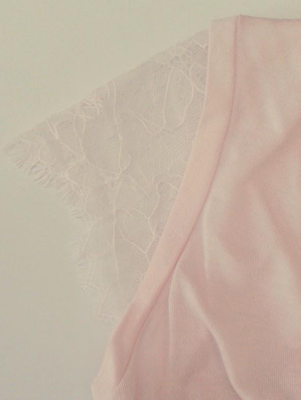 Tee-shirt rose dentelle Naf Naf soldes Mode