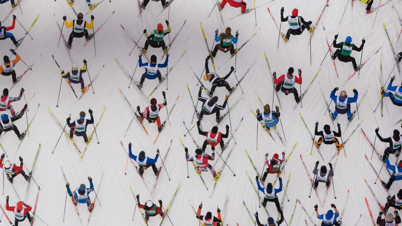 Engadin Skimarathon in Engadin, Switzerland (© Stephan Zirwes/Gallery Stock) 347
