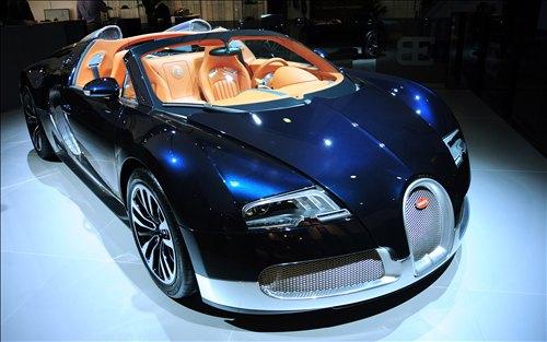 dubai cars blog rent a car dubai luxury cars collection in dubai. Black Bedroom Furniture Sets. Home Design Ideas