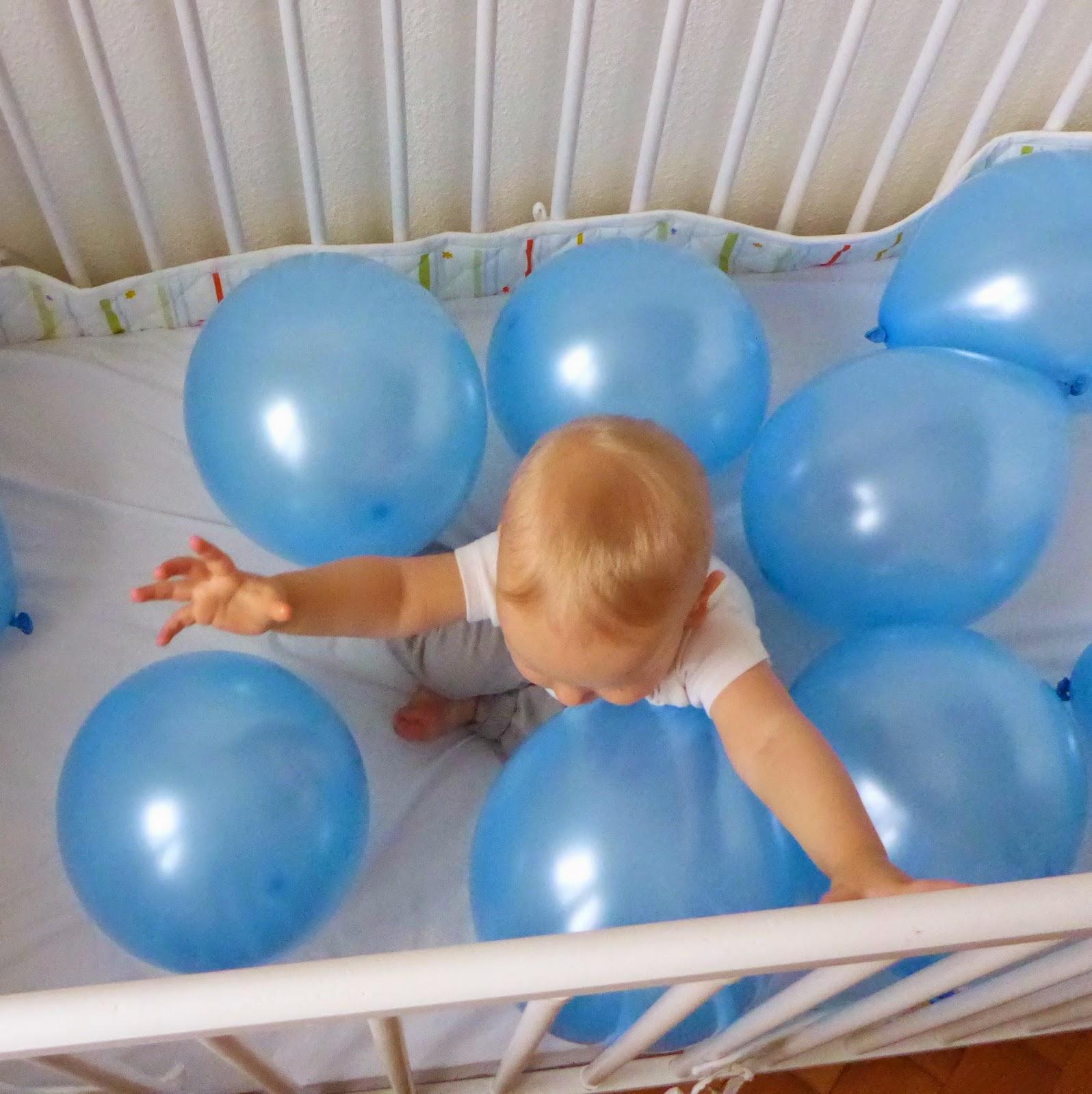sesja_na_roczek_ z_balonami