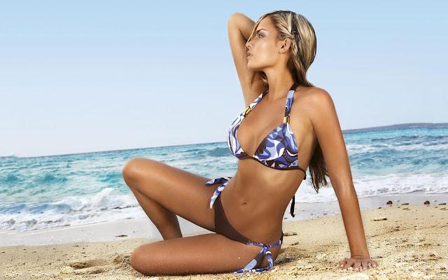 Melissa Giraldo Model in Swimsuit