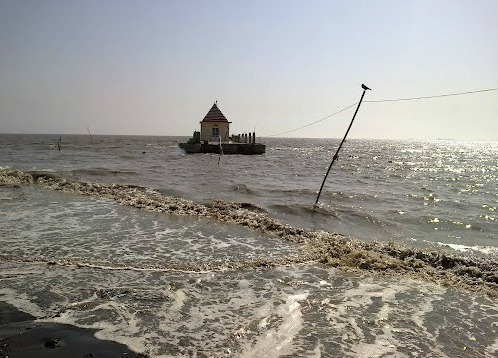 Dariya Ganesha Temple at High Tide in Dumas Beach