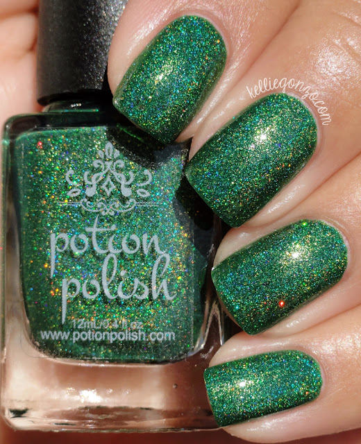Potion Polish Mistletoe Smooches