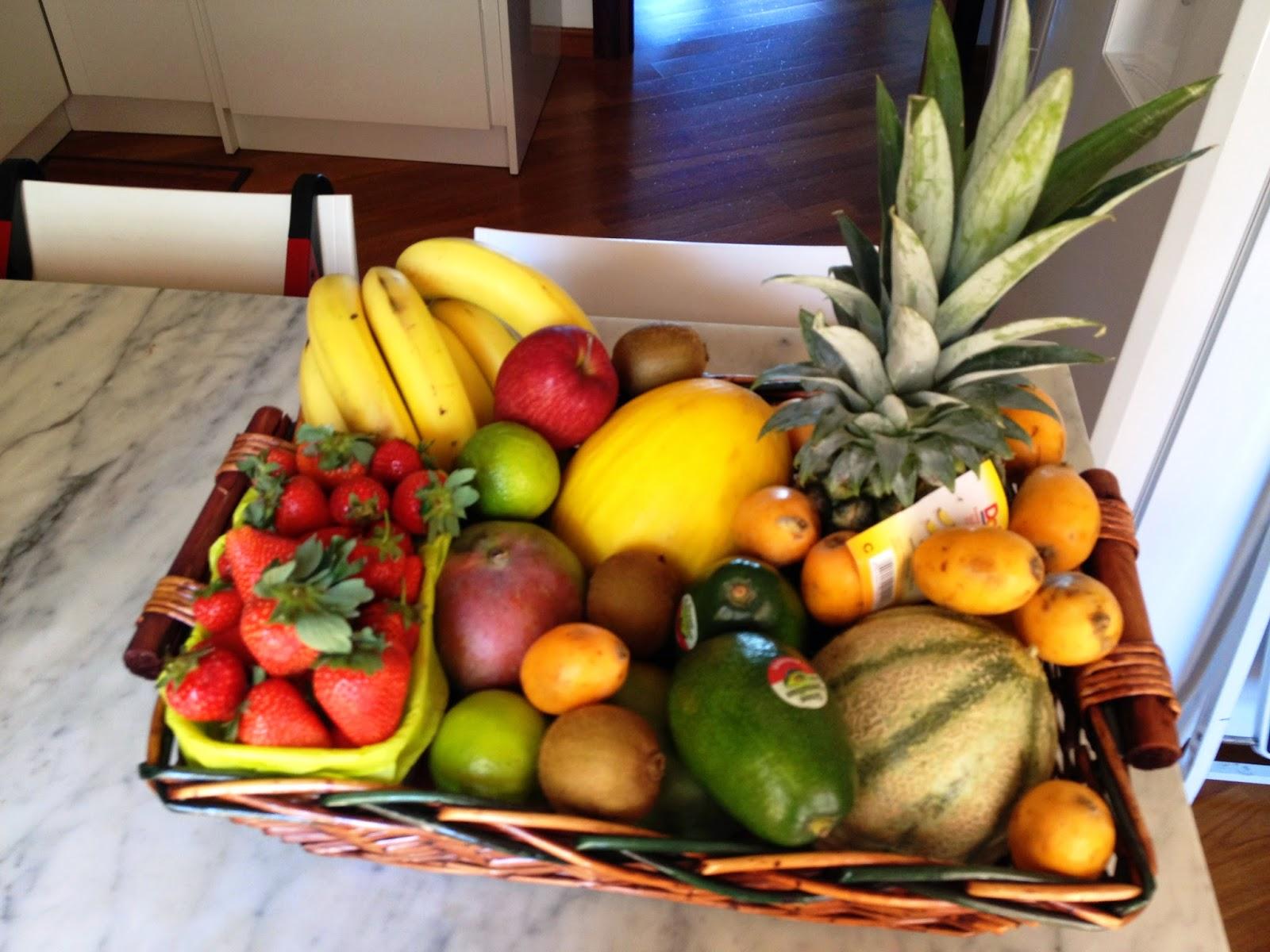 bandeja de frutas coloridas
