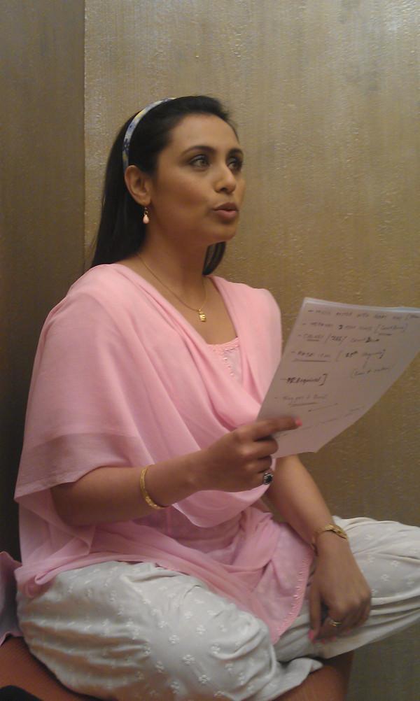 Rani Mukerji Rehearsing For Her Aiyyaa Avatar