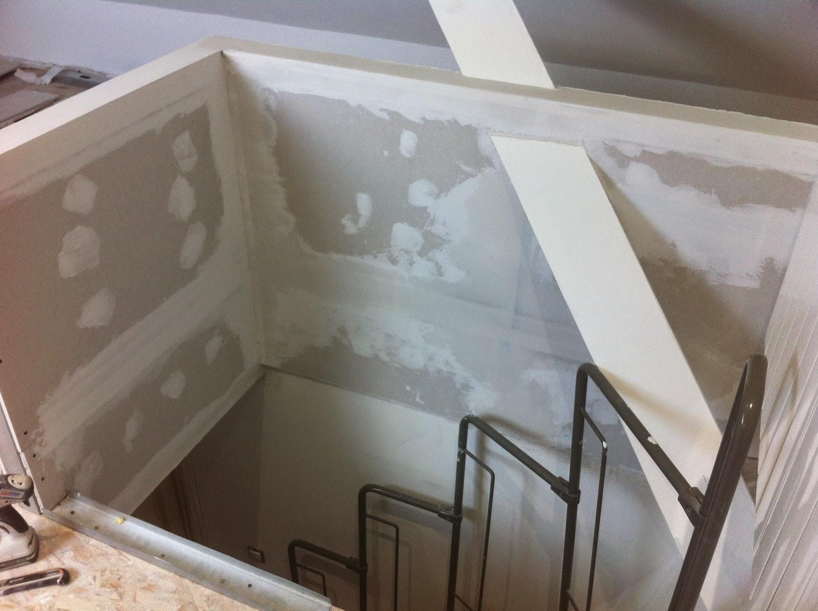 r novation de notre maison faches thumesnil premi re couche d 39 enduit sur le garde corps. Black Bedroom Furniture Sets. Home Design Ideas