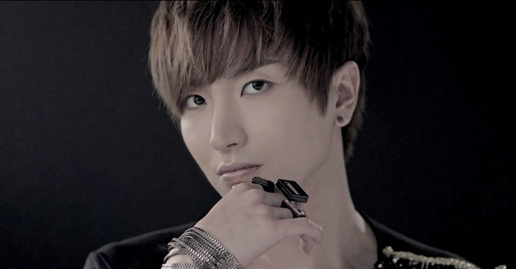 Heart And Seoul: Celebrity Obsession  Leeteuk or Eeteuk