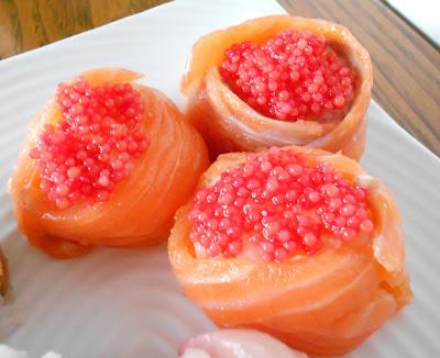 Sushi homemade 3: Sushi party  Gunkan con Salmone e uova di pesce