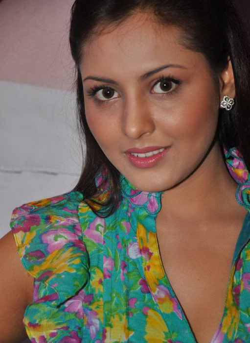 madhu shalini gorgeous at event actress pics