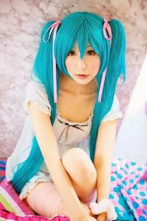 Chii cosplay as Vocaloid Hatsune Miku