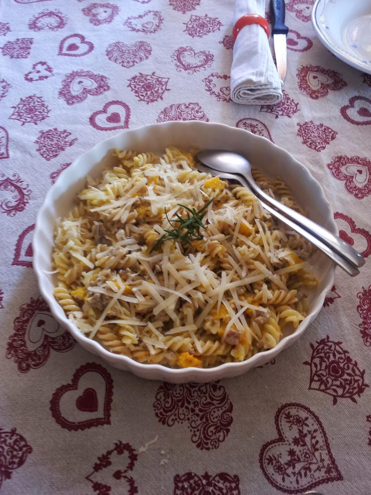 In cucina con zia vale pasta con salsiccia e zucca - Cucina con vale ...