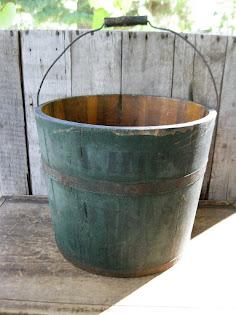 shaker oyster bucket