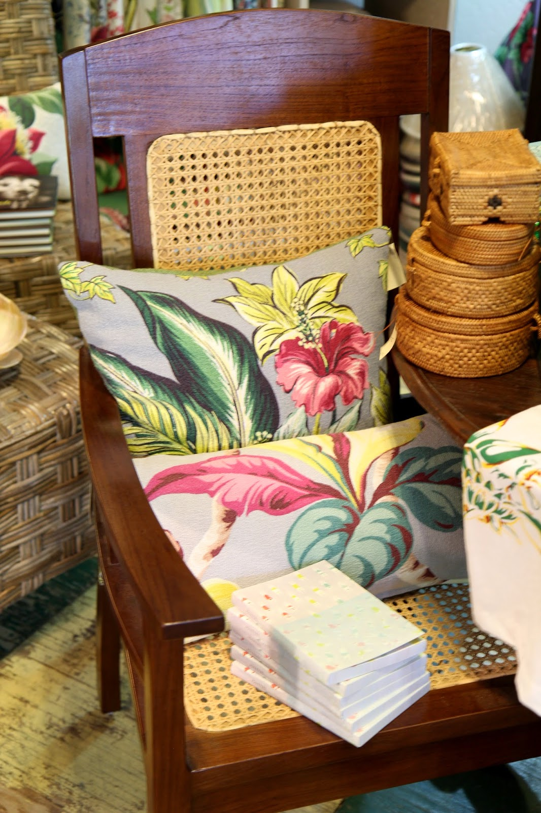Colorful-Hawaiian-Pillows