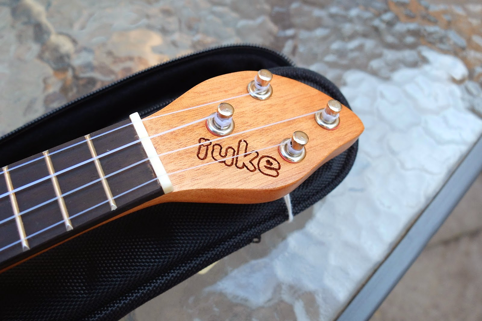 iUke Piccolo Mini Ukulele headstock