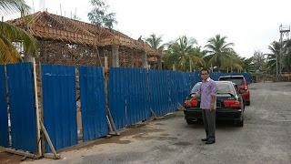 yb tengku zaihan|Meninjau pembinaan dewan terbuka di dataran kuala besut