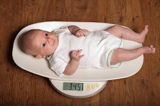 أسباب عدم زياة وزن الأطفال الرضع بشكل طبيعي