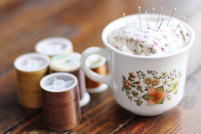 Teacup+pin+cushion+diy+1