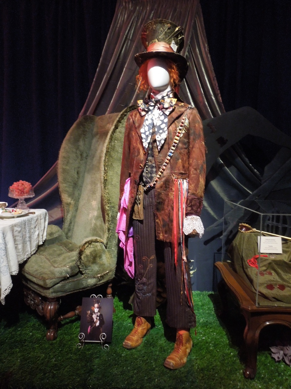 Original Costumes And Props From Tim Burton S Alice In