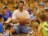 Κλήση για Basketball Clinic με Στογιάκοβιτς , Μάρεϊ και Ρόμπινσον