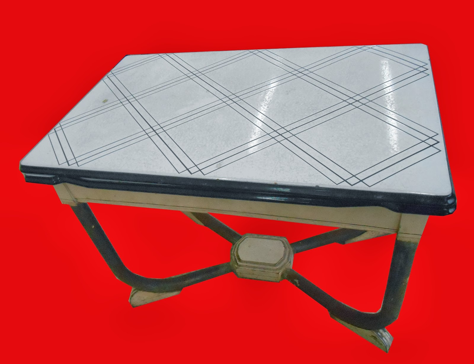 Uhuru Furniture Collectibles 1940s Enamel Top Table With 2 Built In Leaves Sold