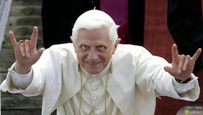 """Apressado: Papa pede """"novo modelo econômico"""""""