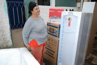 Dasisa Domingos, ex-moradora do Dente de Ouro e atualmente residente no Jardim Meudon recebeu seu kit nesta terça-feira, 29