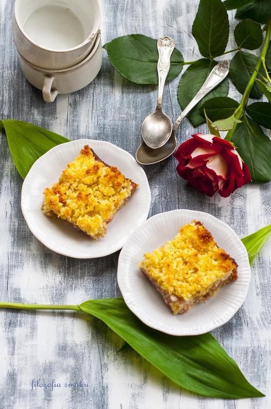 Ciasto z rabarbarem i kokosem przepis