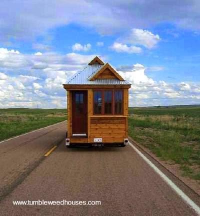 Tiny House rodando por un camino