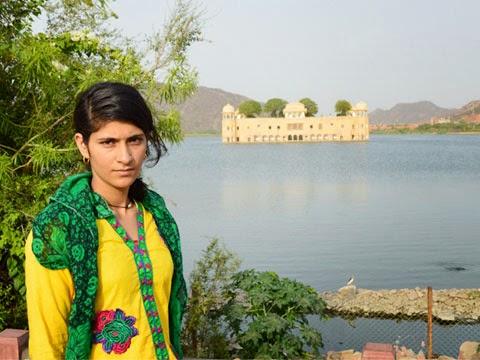 Sharda on Jal Mahal Tour