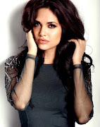 Esha Gupta HD Wallpapers