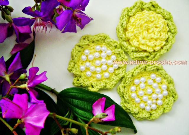 arranjos de flores em croche com Edfinir-Croche