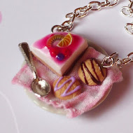 Cheese cake and biscuits necklace
