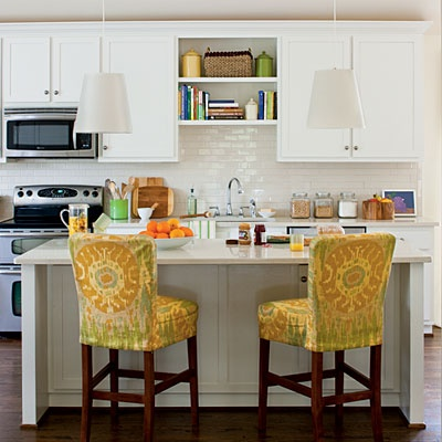 Jennifer taylor design decorating 101 white kitchen updates for Kitchen designs without windows