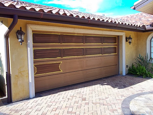 Garage door can you paint garage doors inspiring for Paint garage door to look like wood