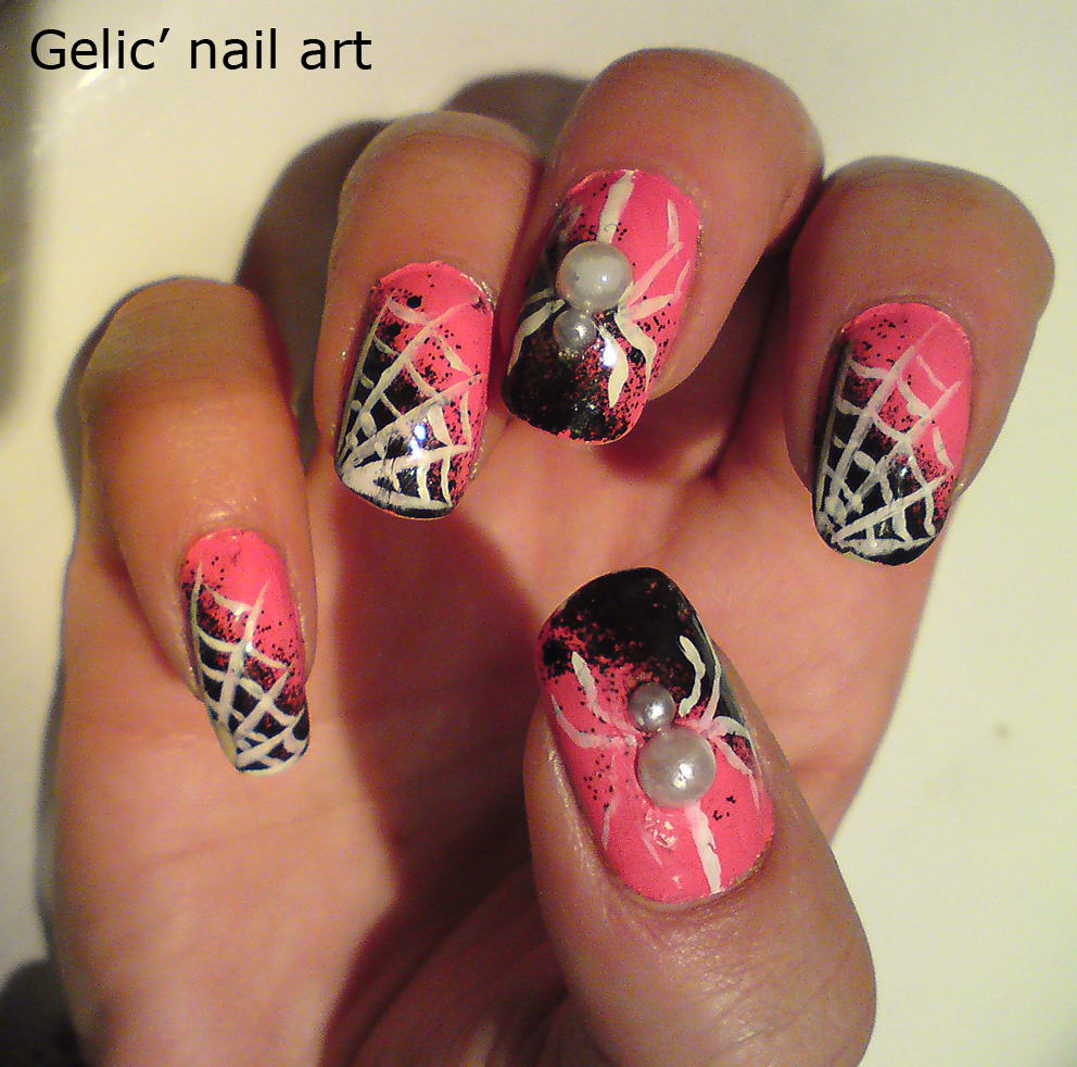 Gelic\' nail art: Halloween white spider nail art in pink and black