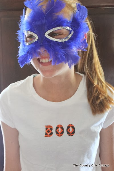 BOO Halloween Shirt -- wear this shirt anytime in October to show you Halloween spirit.  A quick and easy double stencil method to make a one of a kind shirt.