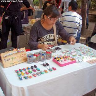 Vendedora del Free Market de Hongdae, aún joven