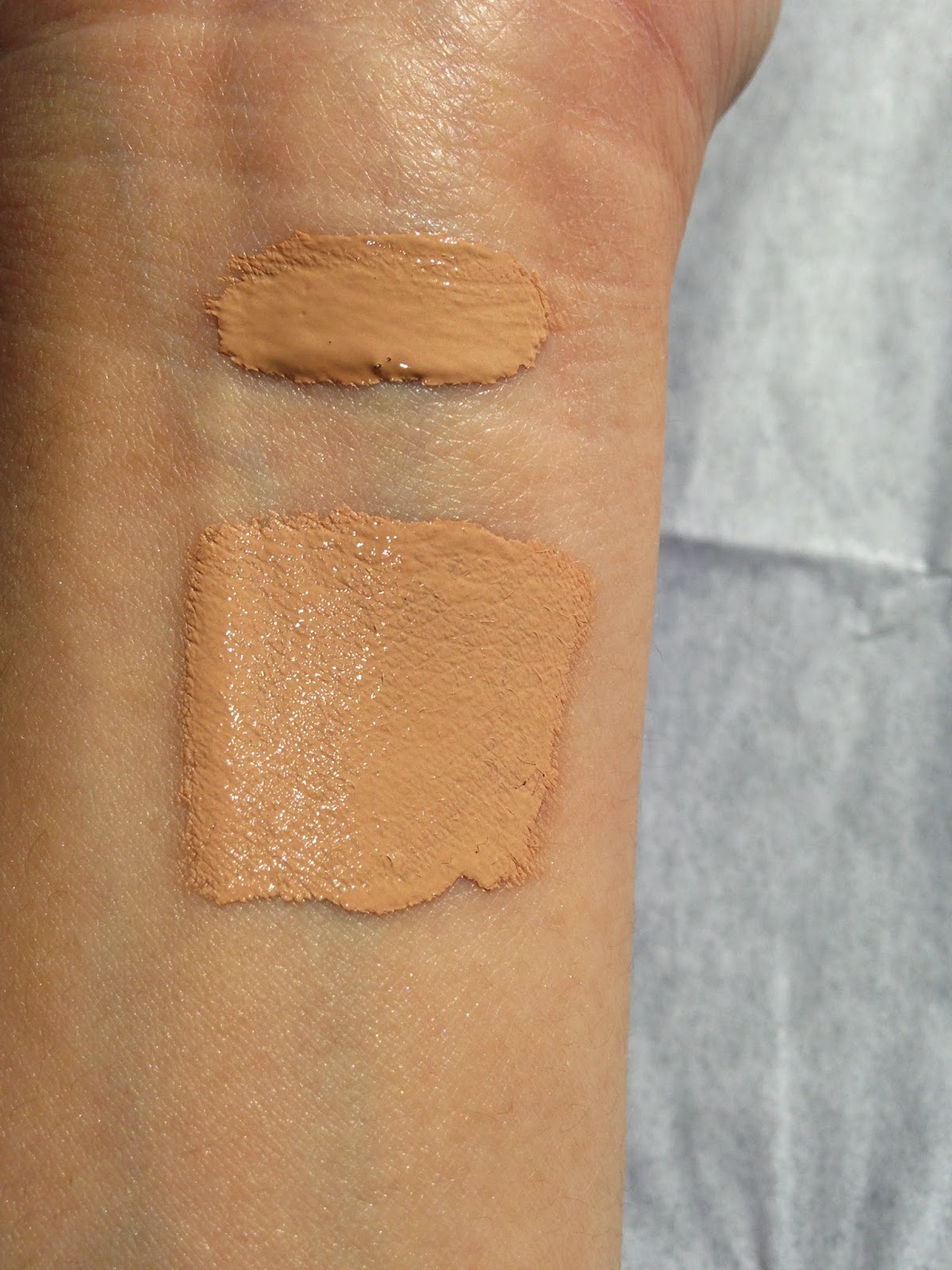 Clinique Beyond Perfecting foundation and concealer swatch