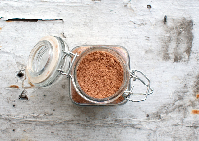 Home Spa DIY - Natural Rhassoul Red Clay Face Mask Recipe - Perfect Homemade Beauty Gift for Mother's Day, Bridesmaids Gifts, or Stocking Stuffers - Free Printable Labels for Gifting