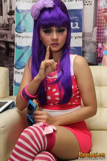 Foto Seksi Jenita Janet Penyanyi Dangdut Hot