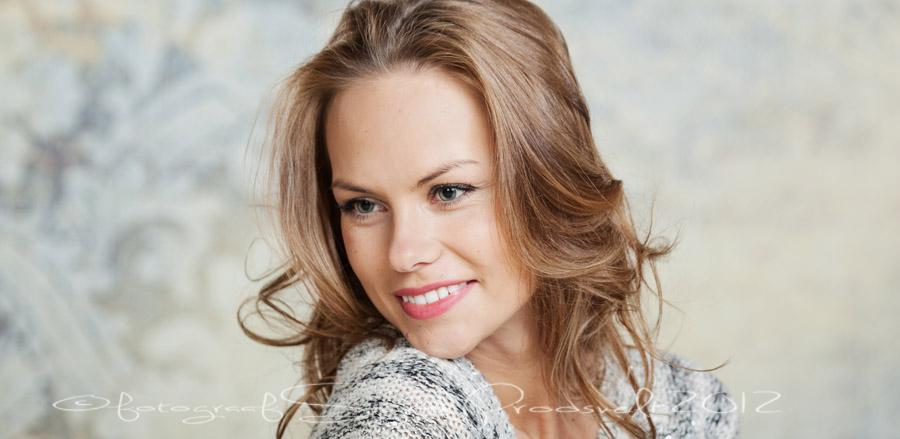 ilus-naine-portreefoto-fotostuudio-fotopesa