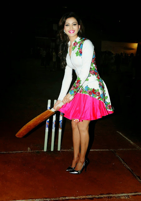 Urvashi Rautela Looks Super Sexy At Twister Mitsui Shoji T20 League Season 5 At Police Gymkhana, Marine Lines