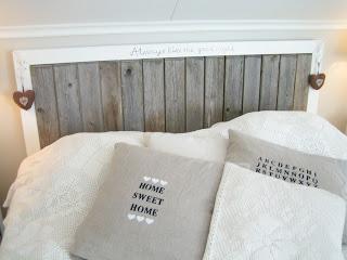 pehmustettu sängynpääty asko