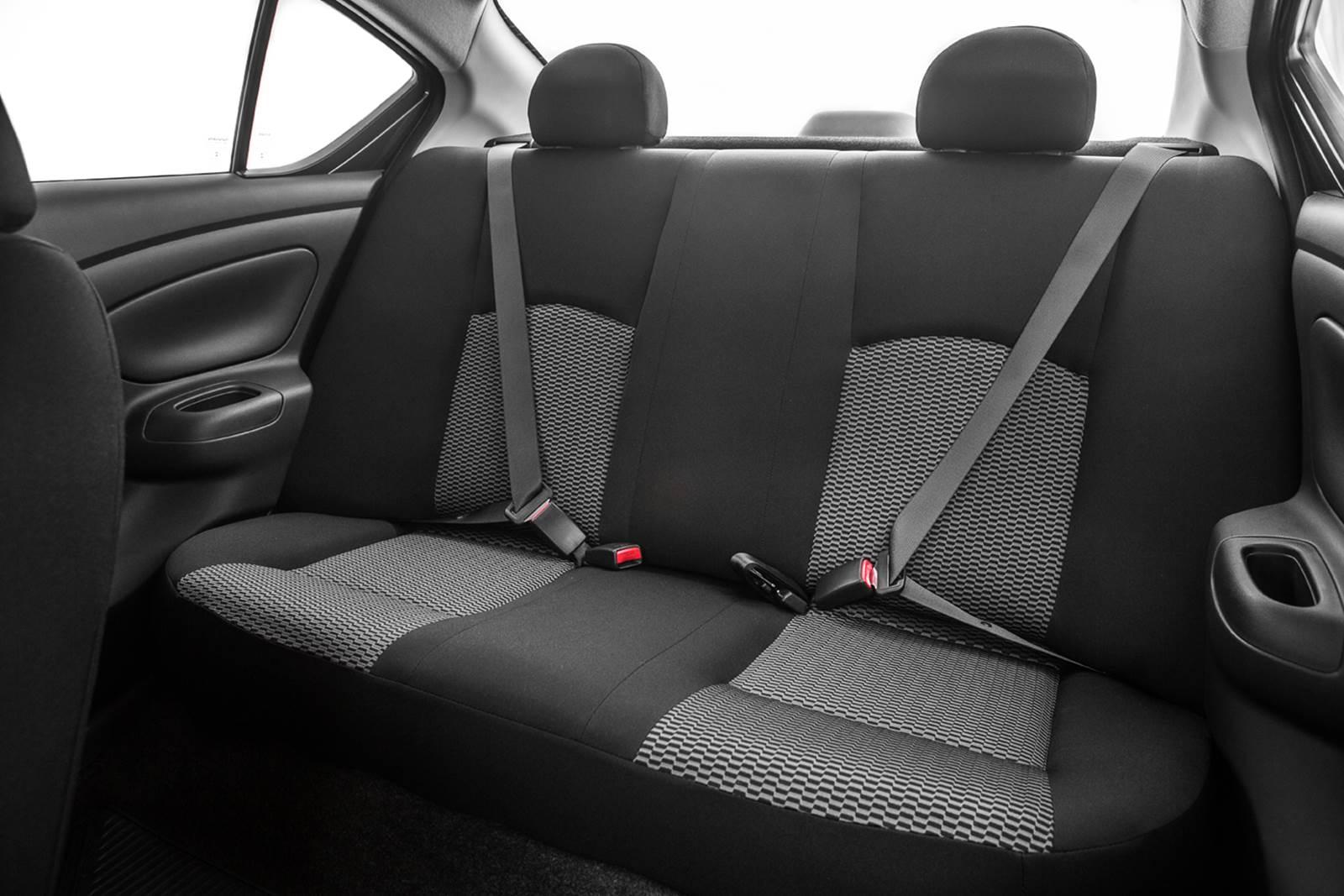 Novo Nissan Versa 2015 - espaço traseiro