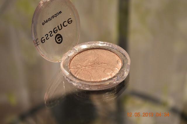 Essence Eyeshadow metallic effect (35 Party All Night)