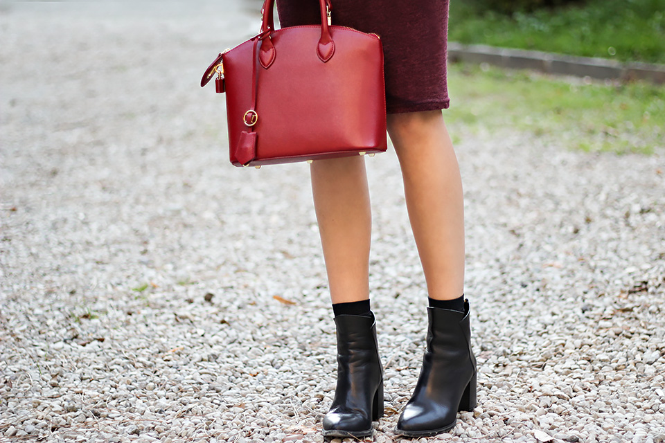 burgundy bodycon dress, red mini bag, fall outfit, fashion blog